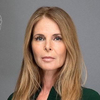 Catherine-Oxenberg-height-and-weight