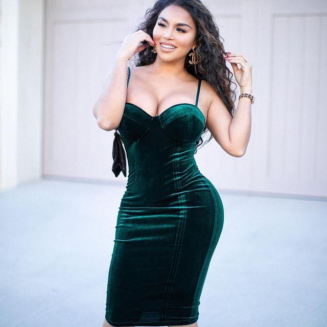 Dolly-Castro-bio