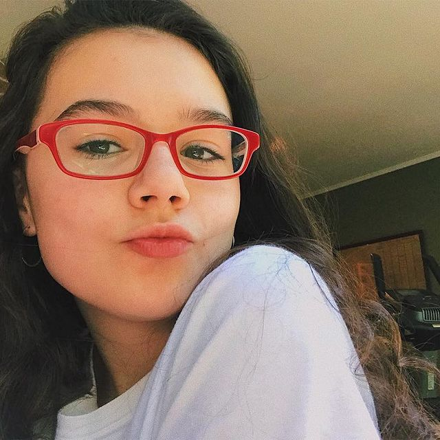 Julia-Antonelli-bio