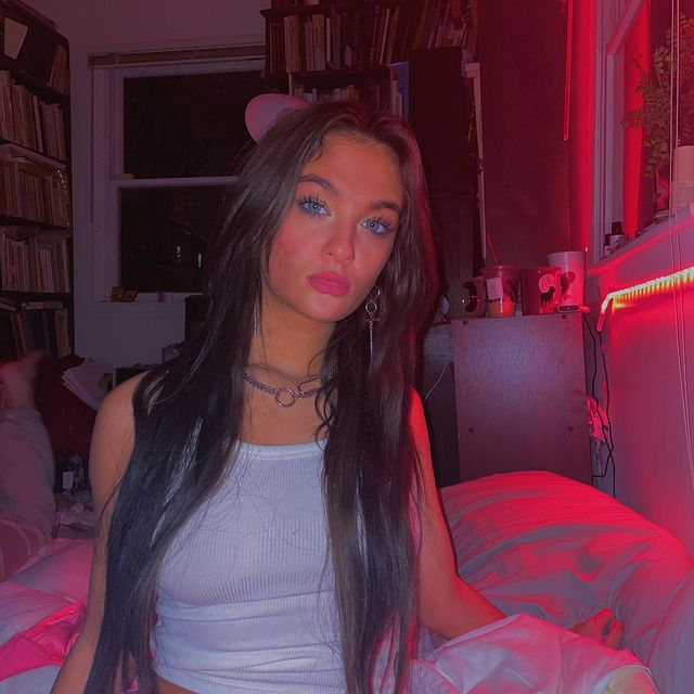 Claudia-Conway-bio
