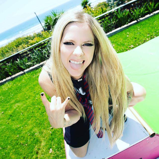 Avril-Lavigne-net-worth